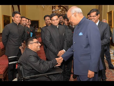 Probationers of Indian Postal Service and Indian Corporate Law Service call on President Kovind