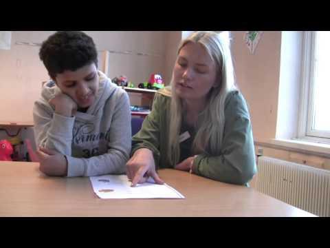 Lærer norsk på mobilen