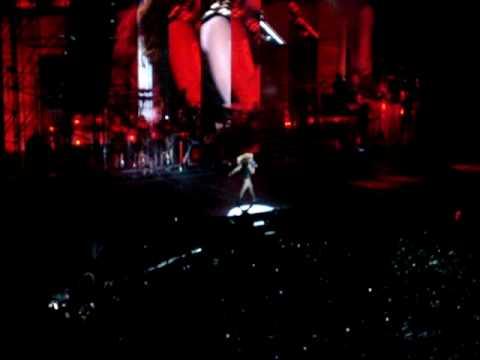 Beyoncé (HSBC Arena / Rio) - Hello