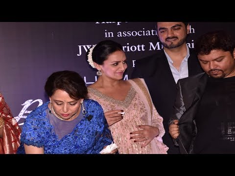 Pregnant Esha Deol attends mom Hema Malini's book launch