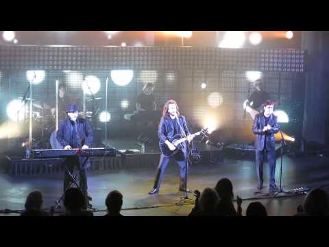 Australian Bee Gees: Chicago concert, July 31, 2013 - by Curtis Collects Vinyl Records