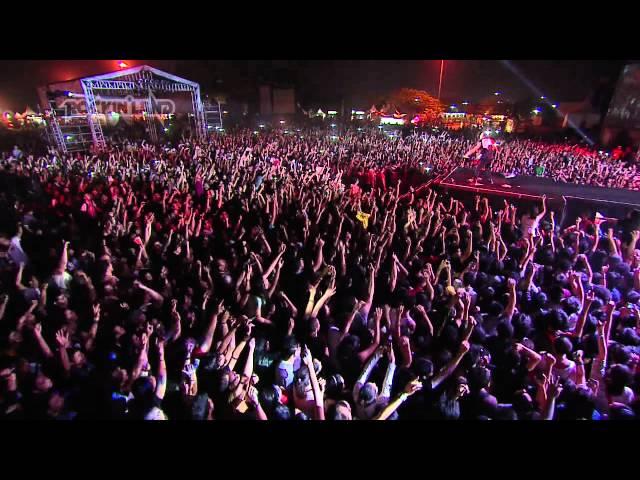 Thirty Seconds to Mars Live at JavaRockingland 2011