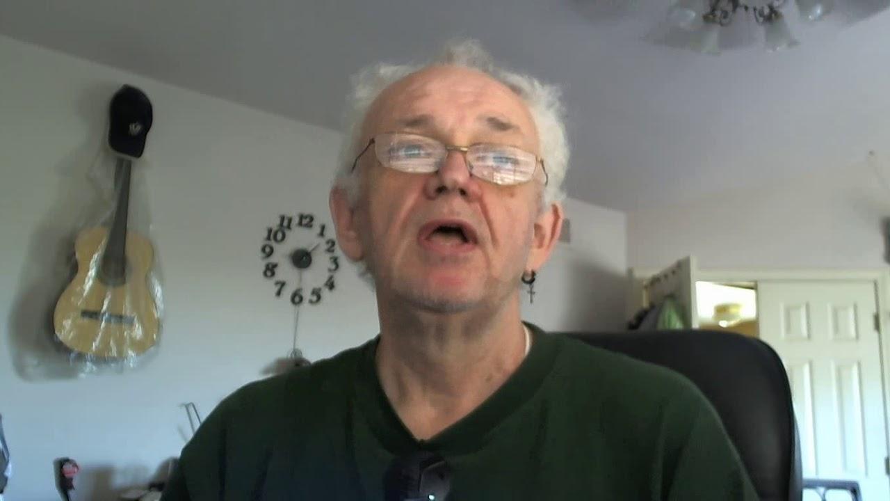 Пожилой мужчина в душе видео