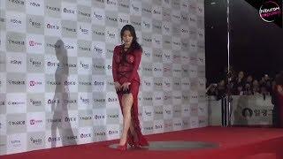 Bukannya Anggun! Artis-Artis Korea Ini Muncul dengan Pakaian Paling Buruk Saat Red Carpet!
