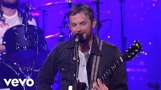 Repeat youtube video Kings Of Leon - Sex On Fire (Live on Letterman)