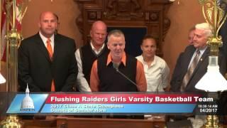 Sen. Horn welcomes Flushing Raiders Girls Varsity Basketball Team to the Michigan Senate