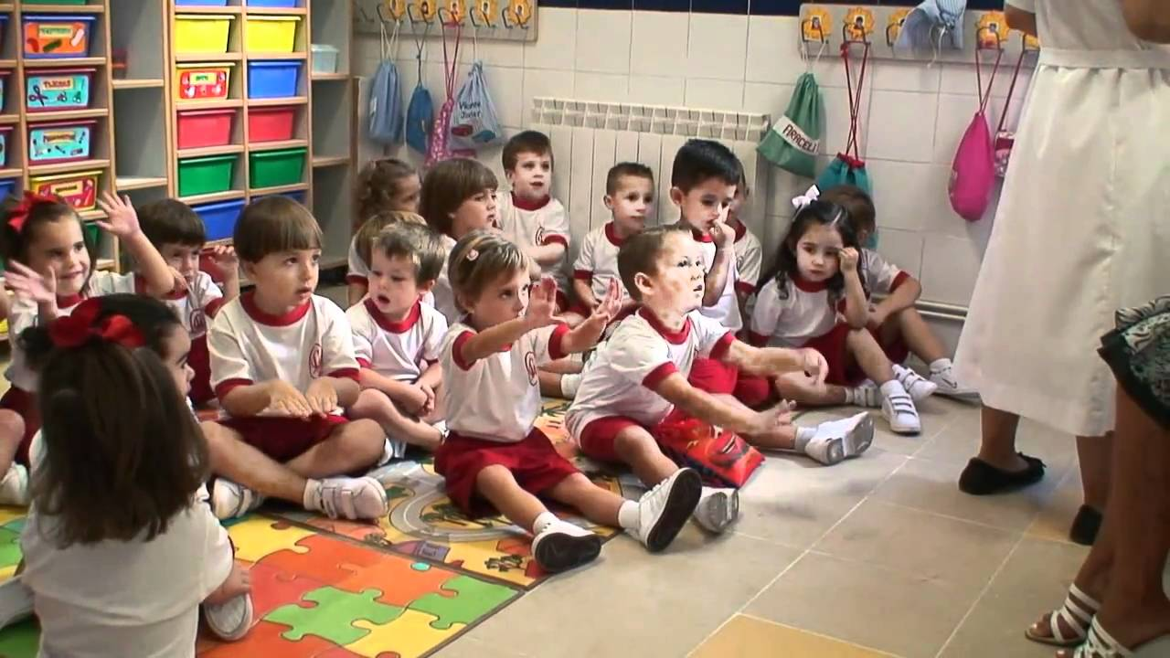 Infantil 3 a os en su primer d a cole youtube for Actividades para el primer dia de clases en el jardin