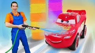 Видео про игры в машинки из мультфильма Тачки. Молния Маквин хочет мыться! Время быть героем!