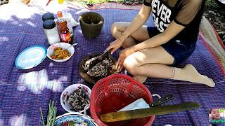 Beautiful Girl Cooking  Water Snake ,How to cooking Snake In Cambodia?