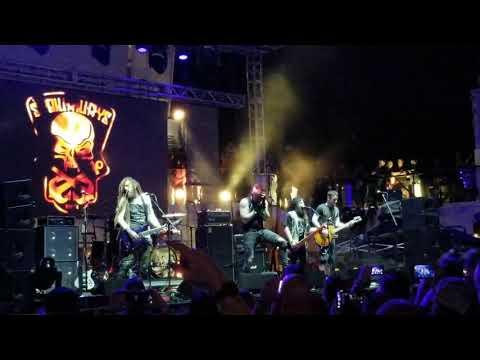 "Shiprocked 2019 Stowaways, performing Korn, Blind. Brian ""Head"" Welch of Korn & Chad Gray of Mudvayn"