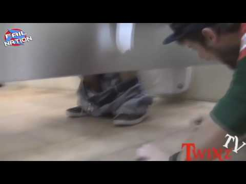 Best Bathroom prank gone wrong .
