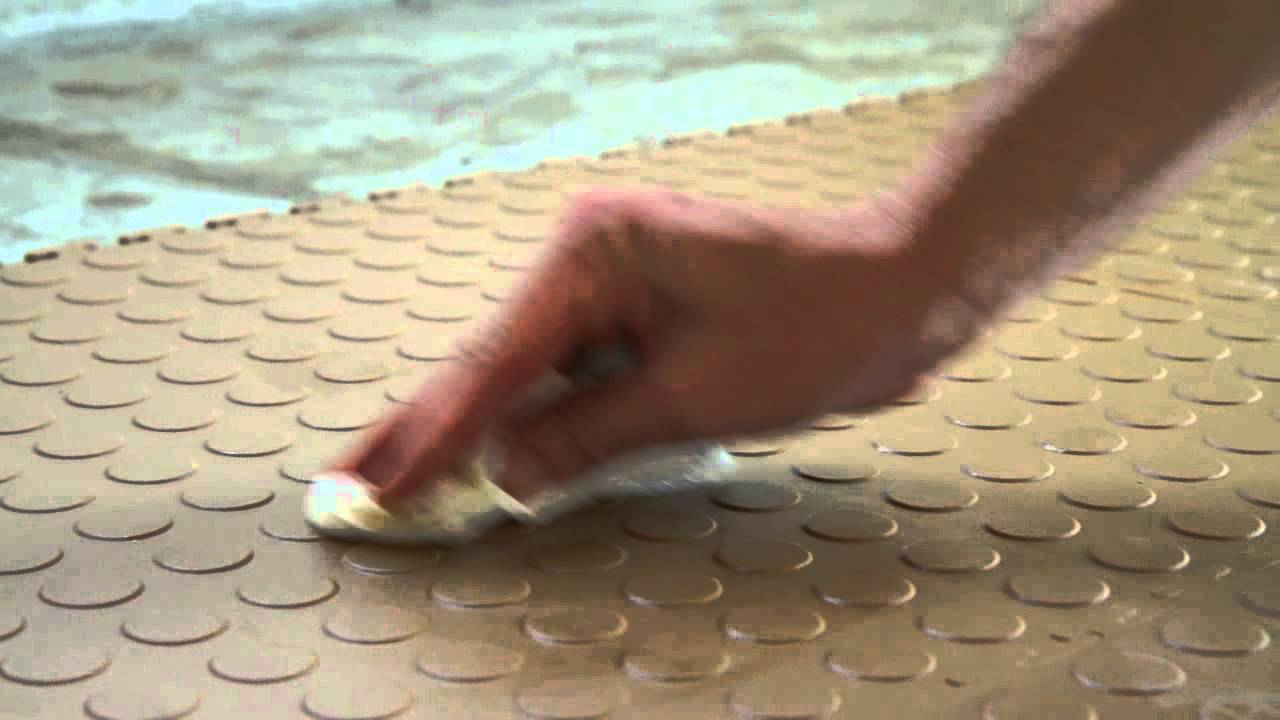 Garage flooring inc benefits of choosing flex tiles youtube dailygadgetfo Images