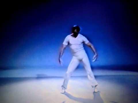 "Mattox jazz dance technique, no. 5 ""Head roll"""