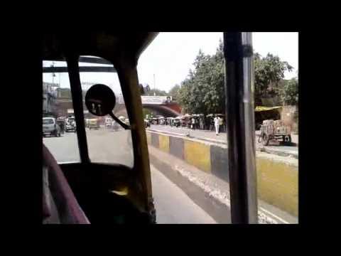 New Delhi roads: functioning chaos.