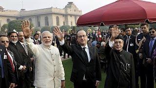 Fransa Cumhurbaşkanı Hollande Hindistan'da Cumhuriyet Günü törenlerine katıldı