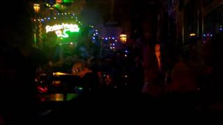 Бар с живой музыкой на Пхукете