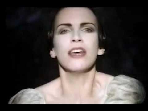 Annie Lennox-Love Song For A Vampire (Bram Stoker's Dracula OST).