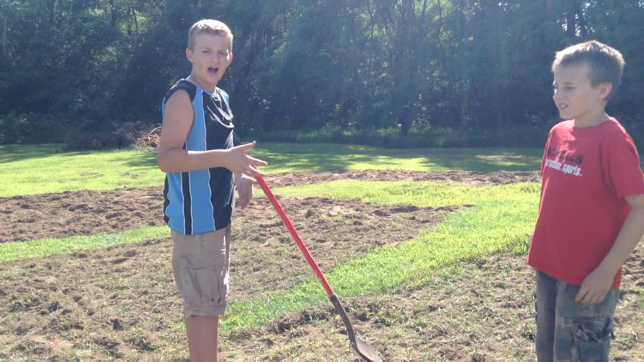 RC AWESOME How to make your own backyard RC track! - YouTube