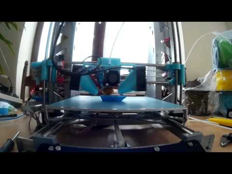 Printing a 3DBenchy at top speed.