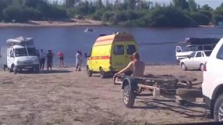 видео Под Тюменью на озере Андреевском утонул молодой парень