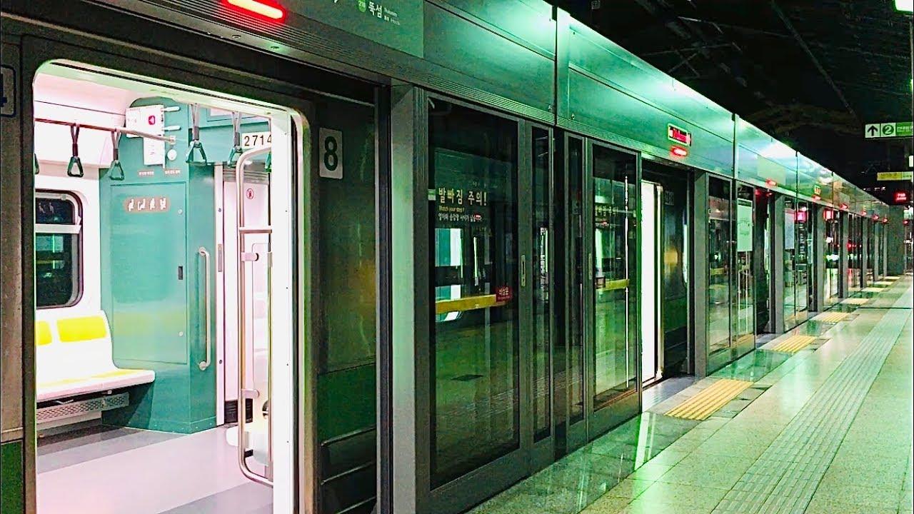 서울지하철 2호선 성수역의 전동차들 / Seoul Line2. Seongsu station train
