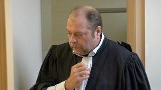 Eric Dupond-Moretti : le roi de l'acquittement thumbnail