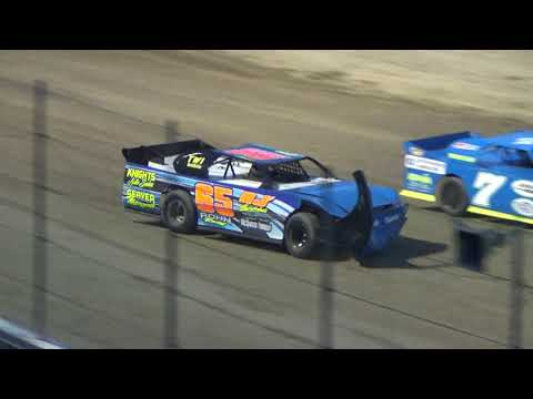 Pro Stock truck Heat Race #2 on 04-27-2018 at I-96 Speedway.
