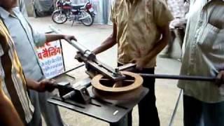 U bending in a steel pipe.MP4