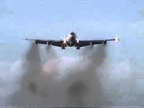 RAF Mildenhall E8 Arrival 18-11-11.AVI