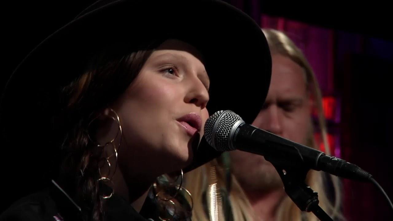 Video: EmiSunshine, Music City Roots, Oct 25