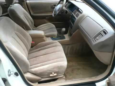 1995 Toyota Avalon Sedan Xl W Bench Seat Naperville Illinois