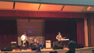 Zealspeaks (@zealspeaks) - Pelangi Senja (Live)