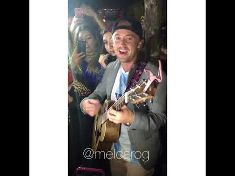 Tom Felton singing at Argentina 11/12/17 2/2