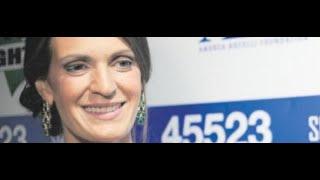 """La moglie di Bocelli: """"Con me Andrea ha rischiato vent'anni di carriera"""" Mp3"""
