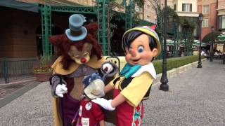 Picture with Pinocchio and Gideon