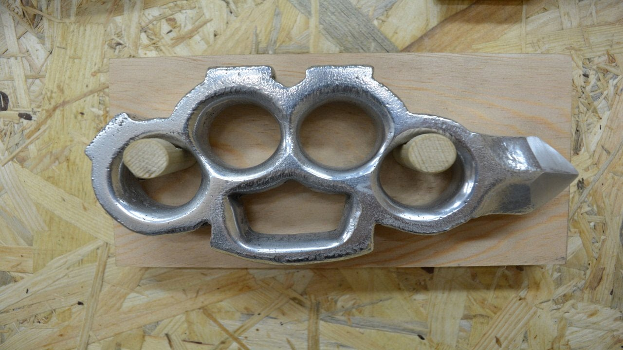 Build Video Casting Aluminum Knuckles With A Skull Cracker