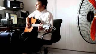 Đại Phước playing guitar - Hoa Tư Dẫn