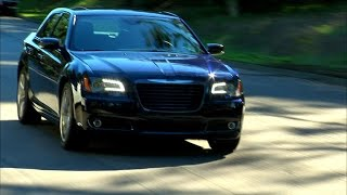 Car Tech - 2014 Chrysler 300S