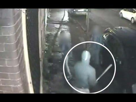 Gang attacks teen with baseball bat