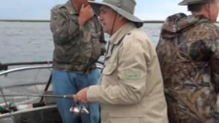 Рибалка відео - травень в Астрахані.