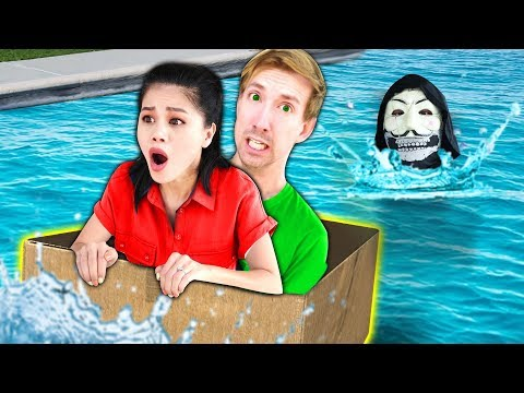 LAST TO SINK WINS $10,000 CHALLENGE (DIY BOAT vs Hacker PZ9
