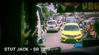 Aksi driver muda ex PO.Haryanto membelah kemacetan,Sugeng Rahayu sessmarang W 7217 UZ melawan arus