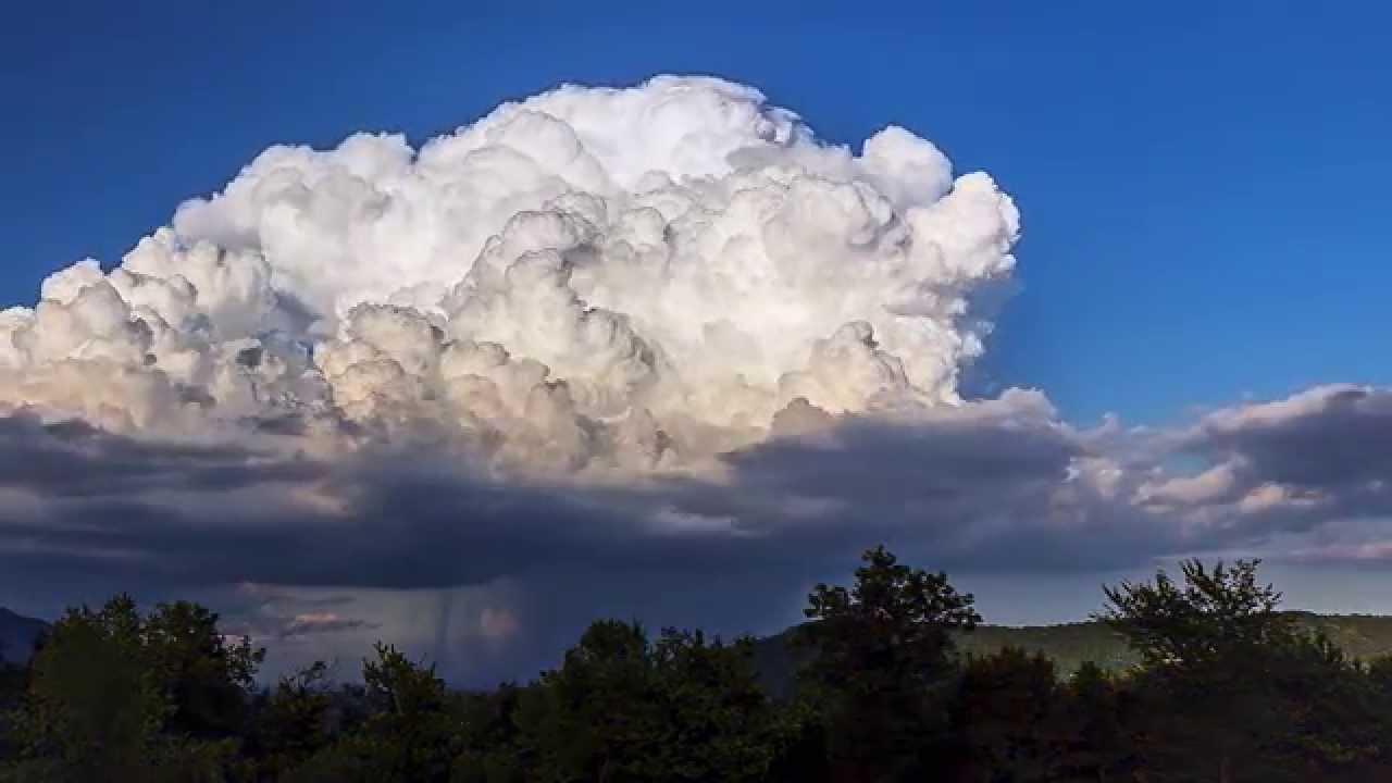 Viral Video UK: TimeLapse of cumulonimbus cloud above ...