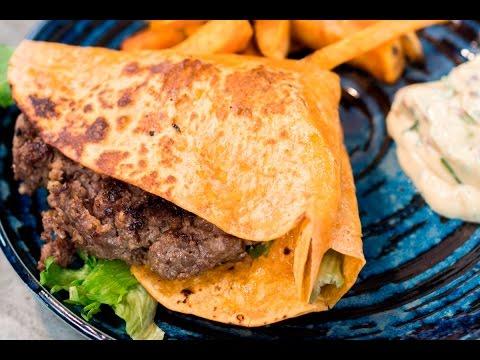 CHLAP ZA PLOTNOU: Hovězí Burger S Batátovými Hranolkami