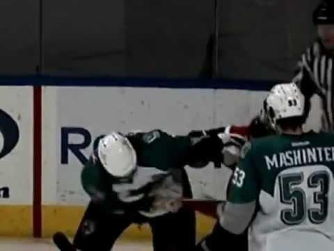 Hockeyfighters.cz  Ryan Hollweg vs Taylor Doherty.wmv