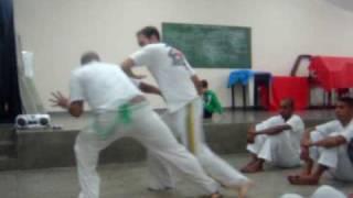 Victor Bimba e chines - Capoeira nova visao Mestre  Chocolate (Santos)