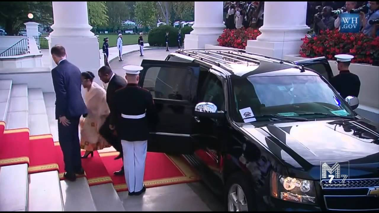 Ethiopia prime minister Hailemariam  Boshe and spouse Roman Tesfaye arrive at the White House Diner