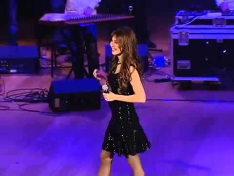 Nancy Ajram - Shakhbat Shakhabeet Qatar Concert 2013