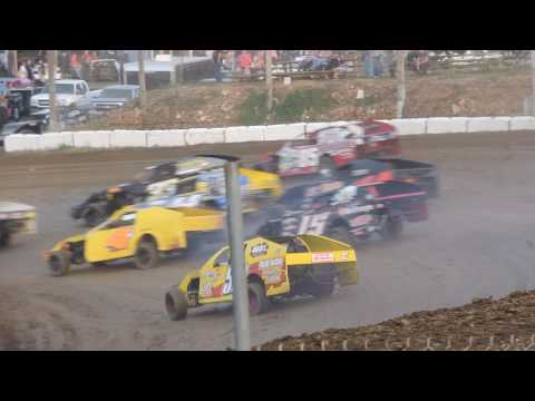 Bob Kerbs Heat Race Springfield Raceway 10-29-16