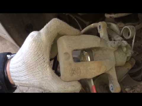 Особенности замены задних колодок на Kia Rio / Hyundai Solaris